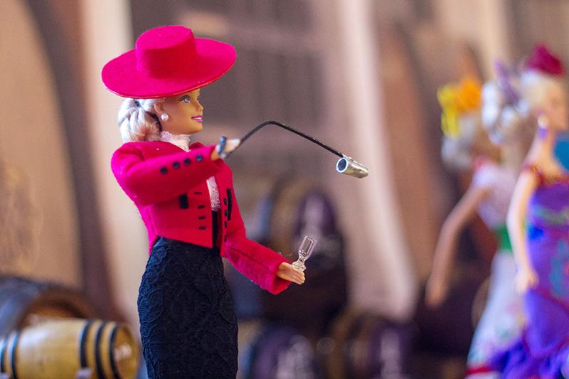 Una de las muñecas de la exposición 'Barbie desfila en Jerez' Foto: JC Sánchez