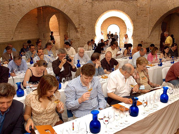 Las catas, uno de los atractivos del Vinoble, se celebran en el Alcázar, probablemente uno de los recintos más atractivos del casco histórico de Jerez. Foto: Ayto Jerez