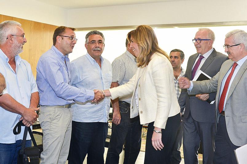 La presidenta de la Junta, Susana Díaz con el comité de intercentros de Navantia. Foto: EI