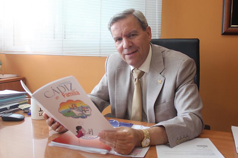 Antonio de María de Ceballos en su despacho de Horeca Cádiz. Foto: JC Sánchez