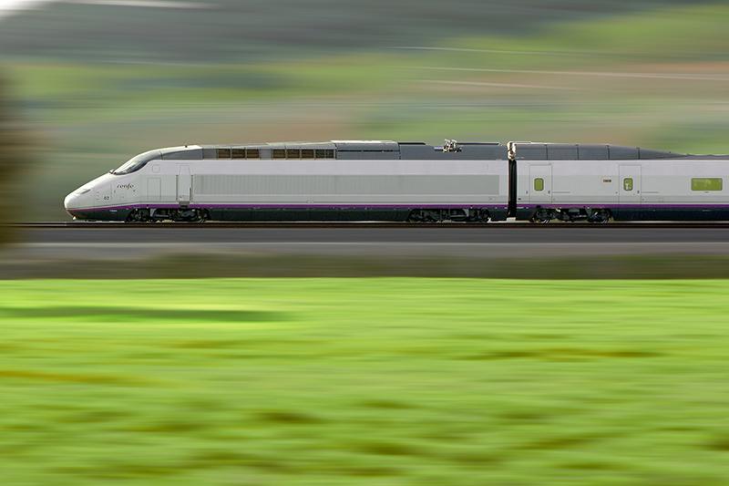 """La línea Sevilla-Cádiz, de 154,8 kilómetros, se terminará """"en esta legislatura"""", según el Ministerio de Fomento. Foto: RENFE"""