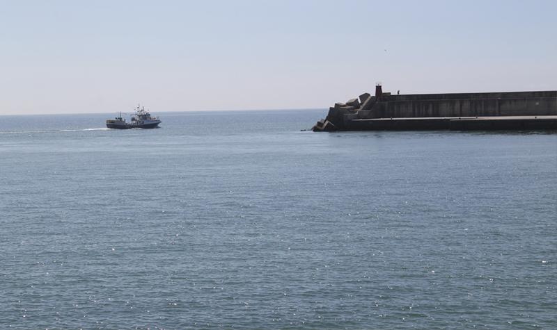 """El palangrero algecireño """"Arcángel San Rafael"""" abandona el puerto de Barbate"""