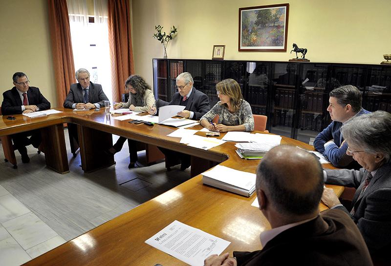 Un instante del consejo de administración del PCTA donde se acordó la disolución de la sociedad. Foto: A.J.