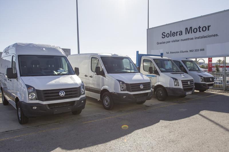 Vehículos comerciales en un concesionario de la provincia / Foto: J.C. Sánchez