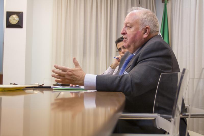 Emilio Corbacho, en un instante de la entrevista.