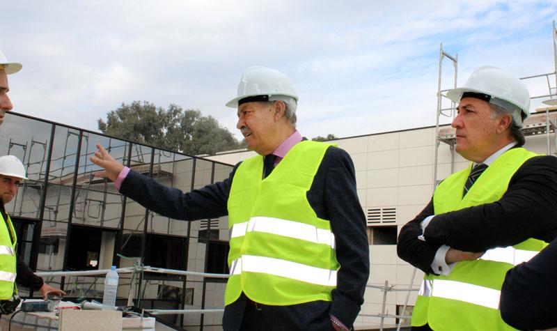 Jorge Ramos en una reciente visita al edificio de Zona Franca en Algeciras.