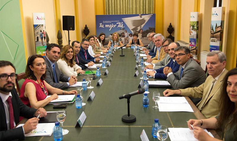 Primera reunión de la Mesa del Turismo.