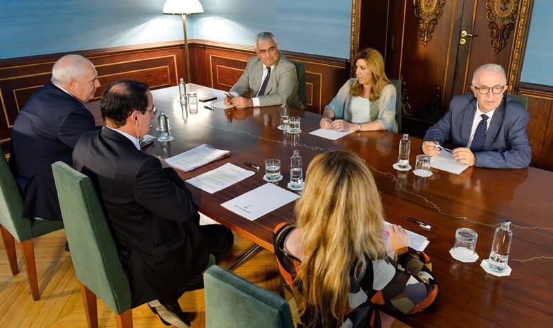 Instante de la reunión en el Palacio de San Telmo. FOTO: JA