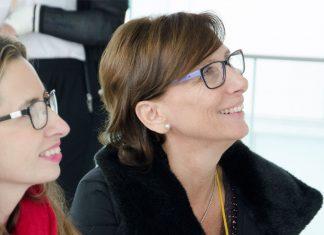 Lola Rueda, a la derecha, en un acto de Mujeres Imparables.